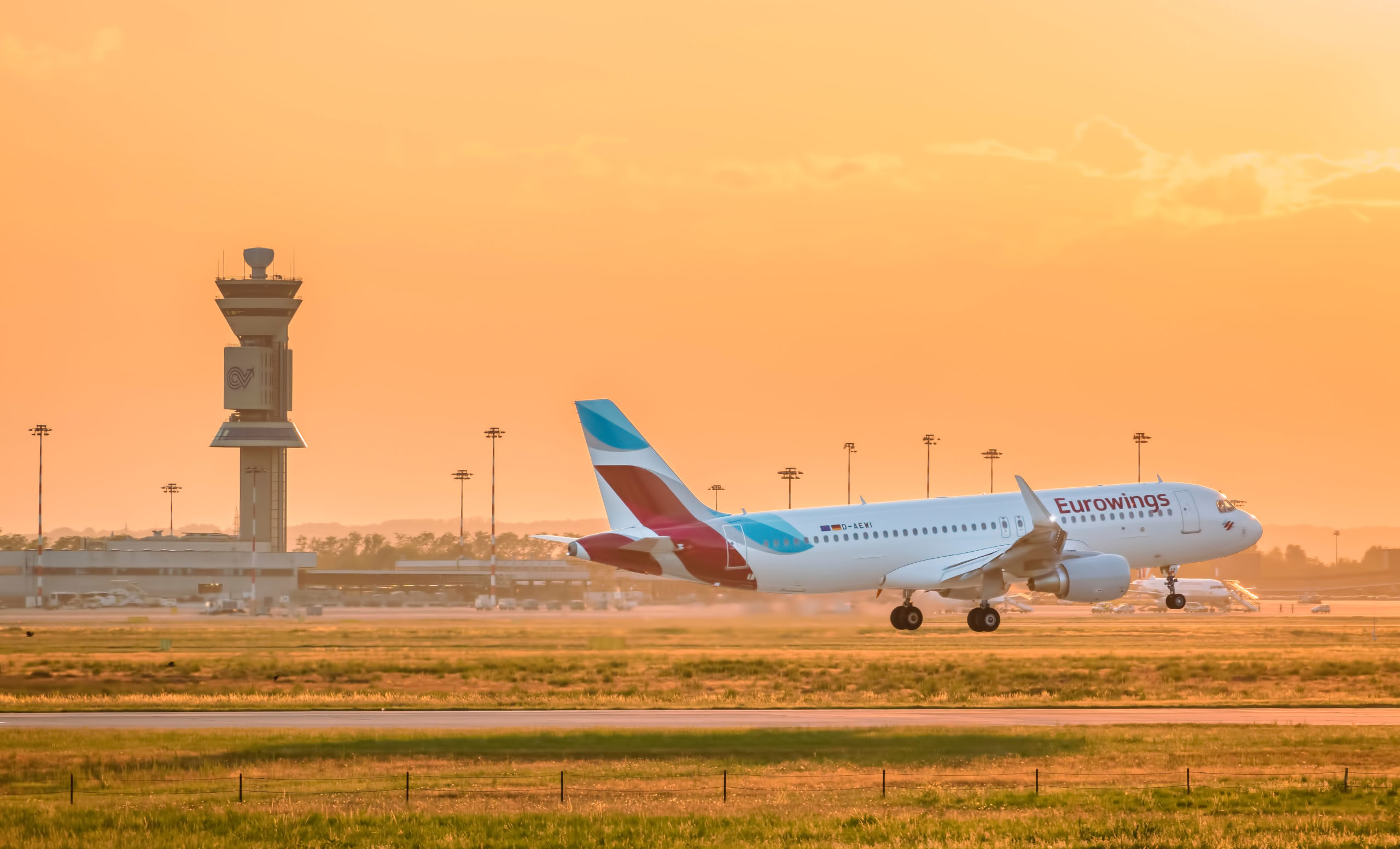 Bild von EWAG A320 in der Sonne